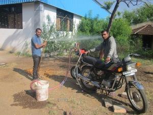 Bike mounted HTP sprayer